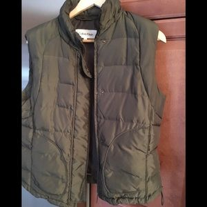 Calvin Klein 80% down and feather vest olive green